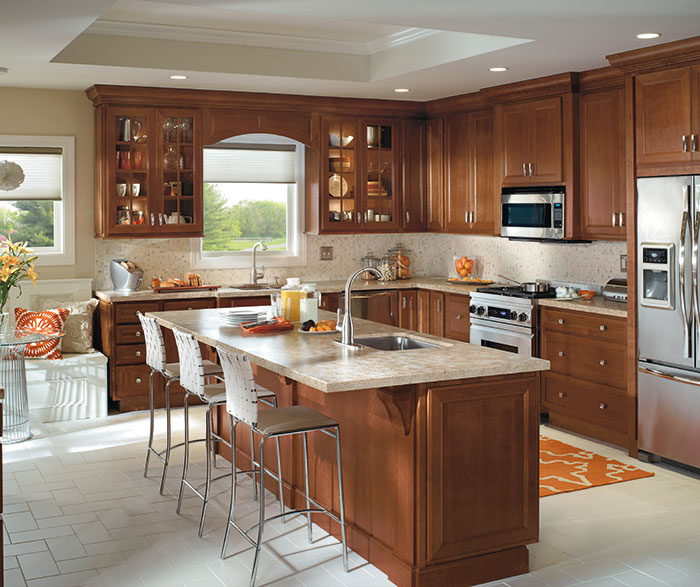 traditional_kitchen_with_cherry_cabinets