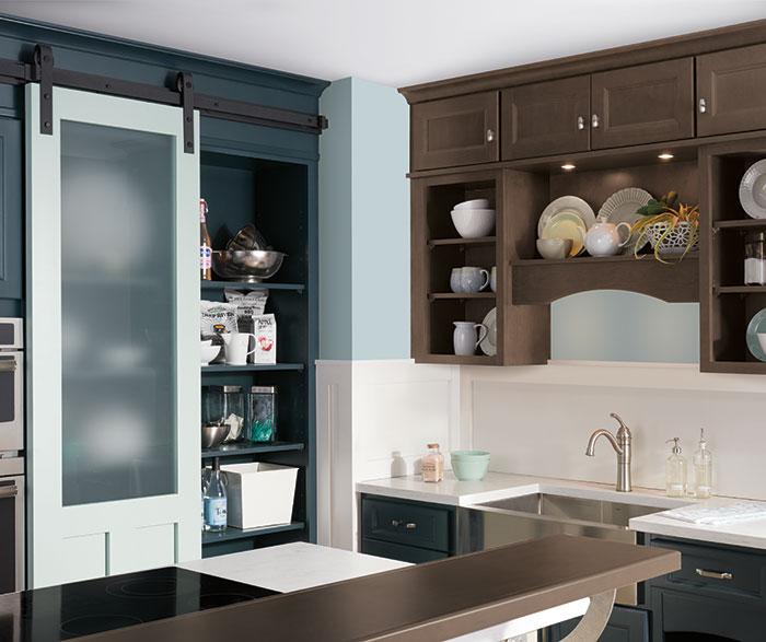 neutral_kitchen_blue_cabinets_3